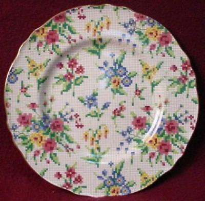 ROYAL WINTON china QUEEN ANNE 2995 pattern DINNER PLATE Athens