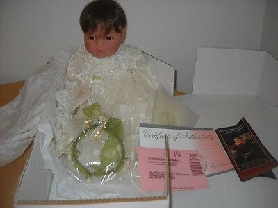 Lee Middleton Doll Box Gown Certificate Beautiful 2540