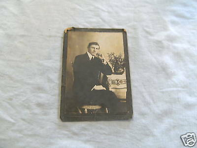 #D1. EARLY CABINET PORTRAIT CARD OF UNKNOWN MAN
