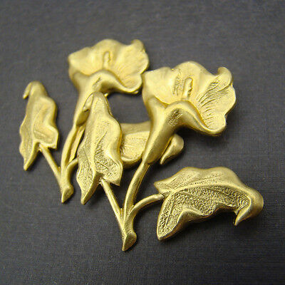 2 vintage brass stampings single calla lily flower with leaves large 30mm