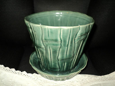 Nice Green Bamboo Designed Pottery Planter No. 325 U.S.A. With Water Catcher