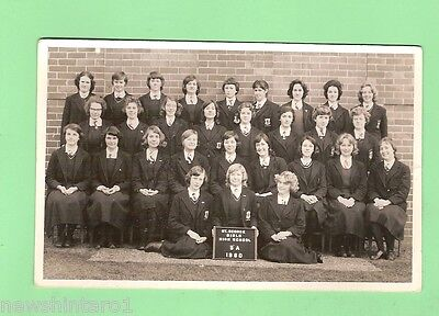#b.  Old School Class Photo - 1960 5A St George Girls High School