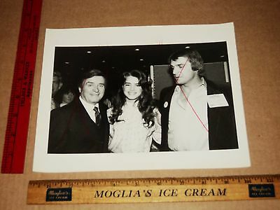 Rare Original VTG Great Candid Brooke Shields, Mike Douglas, Dan Pasrozini Photo