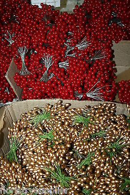 JOBLOT 10 bunches of 50 wired stems artificial holly berry (1000 berries!)