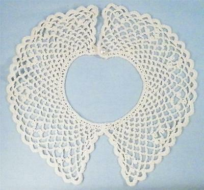 Vintage Hand Crocheted Collar Peter Pan Style Scalloped Edge Faux Pearl Button