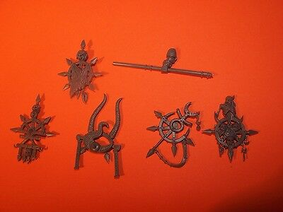 Chaos Space Marine Icons (bits auction)