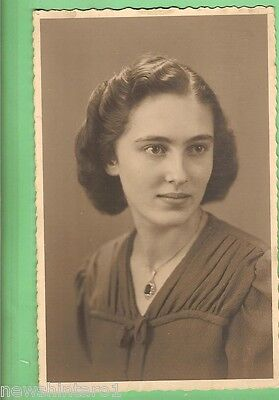 #c.   Wwii  Postcard - Young German Lady
