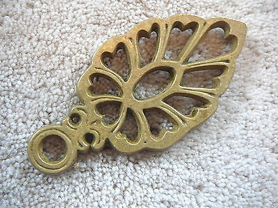 PLANT LEAF or FROND - Vintage CAST BRASS MINIATURE TRIVET - T22