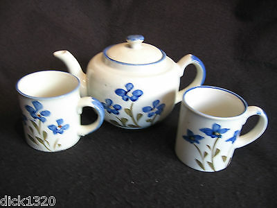 Nice Hand-Painted Pottery Teapot & Two Matching Mugs Oriental? Ex