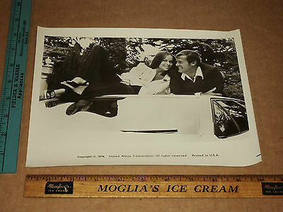 Orig VTG 1976 James Bond 007 Roger Moore & Barbara Bach Moonraker Movie Photo