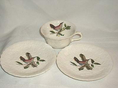 Alfred Meakin Birds of America Bewick's Wren 2 Saucers & A Cup