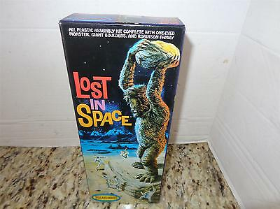 NEW POLAR LIGHTS - LOST IN SPACE- ONE EYED MONSTER  MODEL- MINT-  MR1