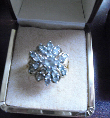 Vintage 18 KGE Gold Metal Clear Stones Ring