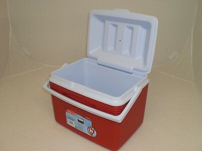 Rubbermaid 24 Quart Cooler Ice Chest 2A13-04 New Modern Red