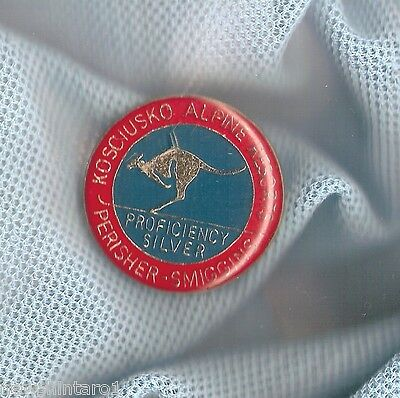 #d70. Skiing  Kosciusko Alpine Resorts Lapel Badge, Perisher, Smiggins