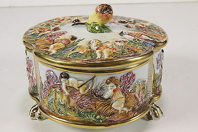 R. Capodimonte Porcelain Footed Bowl w/ Lid ITALY 1535/388 Cherubs Pear Handle