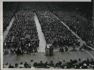 1937 Press Photo Huge Crowd Gathers at Chicago Stadium CIO Steel Workers Rally