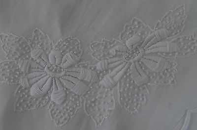 Charming Hand Embroidered White Country Runner Ll27