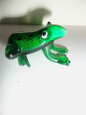 """BEAUTIFUL UNBOXED COLLECTIBLE BLOWN GLASS-VIBRANT GREEN FROG """"SYMBOL OF JOY"""""""