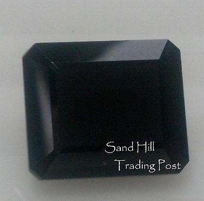 Natural 7x5 Emerald Cut 1.01ct Faceted Black Onyx AAA