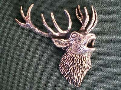 HIRSCH ANSTECKNADEL PIN A49 ROARING STAG