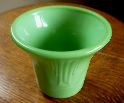 AKRO AGATE - Vintage JADITE GREEN GLASS FLOWER POT - 7  DARTS - SMOOTH TOP 4.5""