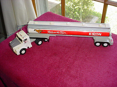 """1993 EXXON GAS Rely On The Tiger Fuel Tanker Truck Model 14"""" Long Rubber Tires"""