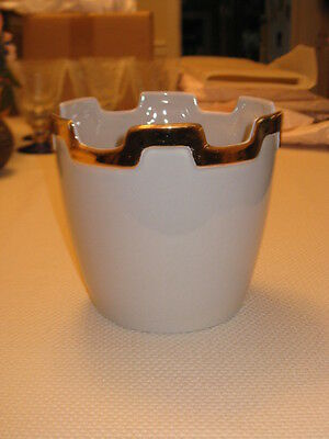 "ROYAL HAEGER USA WHITE VASE #R1772-5 W/ 1/2"" GOLD RIM ON DESIGN TOP"