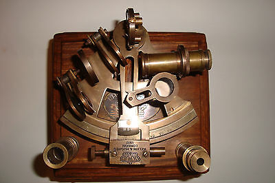 SOLID BRASS NAUTICAL COLLECTABLE SEXTANT WITH WOODEN BOX (CZSX 0162)