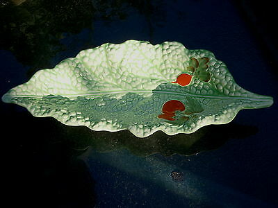 VINTAGE CROWN DEVON LETTUCE PLATE WITH EMBOSSED TOMATOES 29 X 12.5CMS