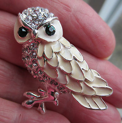 Vintage Style White Owl Christmas Bird Cubic Zirconia Brooch Pin Silver Tone