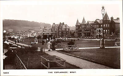 Bray, County Wicklow. The Esplanade # 14914 in Signal Series.