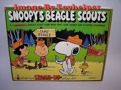 Vintage Snoopys Beagle Scouts 3 Dimensional Stand UP Colorforms Play Set Unused