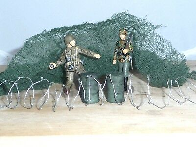 1/32  Military Pack,2 Resin Painted Oil Drums, Barbed Wire Coil& Olive Cammo Net