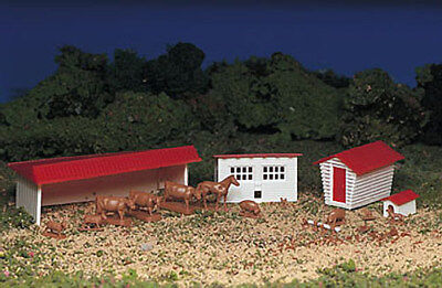 NEW Bachmann Farm Buildings & Animals Kit HO 45152