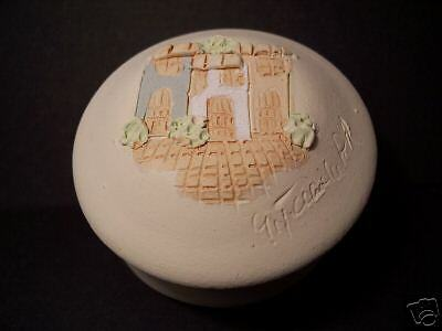Pottery Trinket Box-Collectible-Hand Made-Raised Relief