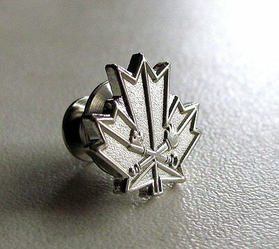 Canada Canadian Corrections Exemplary Service Medal Lapel Pin Badge