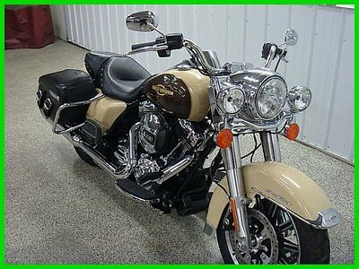 Harley-Davidson : Touring 2014 flhr roadking 25 miles almost new minor tip over cheap ride dont wait l k