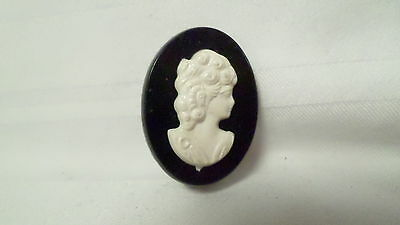 "Vintage 1 1/8"" Plastic Black & White Cameo Pin Brooch"
