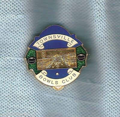 Townsville    Bowling  Club  Lapel Badge