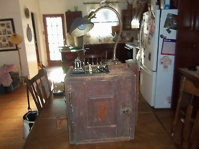 Early D. L. & W.rr. Cabinet With Telegraph Key&sounder+Gooseneck Hubble Light