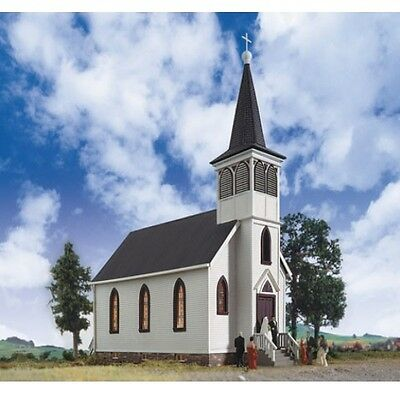 Walthers 933-3655 Cornerstone HO Scale Cottage Grove Church Plastic Kit