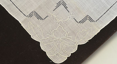 Lovely Vintage Madeira Linen Hanky With Hand Embroidery Oo25