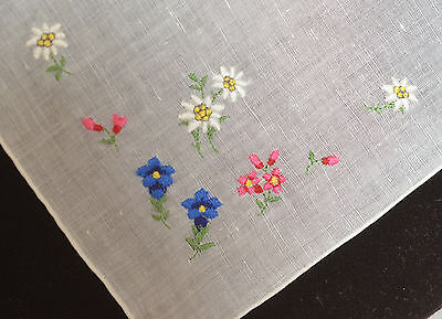 Whimsical Vintage Embroidered Linen Hanky Oo42
