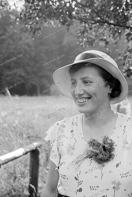 Negativ-Frau-Hut-Cute-German-Woman-Lady-Hat-1930er-Jahre-1930s-2