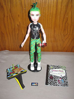 Brand New! Loose Deuce Gorgon Boy Doll Monster High Manster W/ Game Pieces Stand