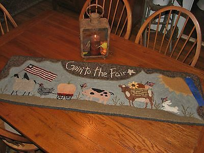 "Primitive Hooked Rug Pattern On Linen ""goin' To The Fair"""