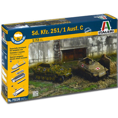 ITALERI Sd. Kfz. 251/1 Ausf C 7516 1:72 Military Model Kit