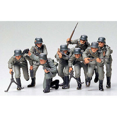 TAMIYA 35030 German Assault Troops 1:35 Military Model Kit Figures