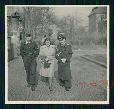 vintage photo WOMAN & GERMAN SOLDIERS TANK DRIVER W/ BADGE MEDAL WWII 1940s